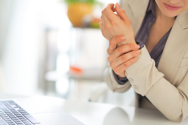How does arthritis differ from rheumatoid arthritis?