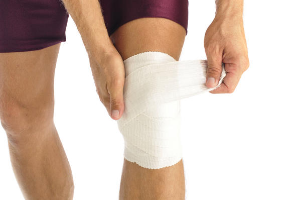 What causes knee pain and how do I manage it myself?