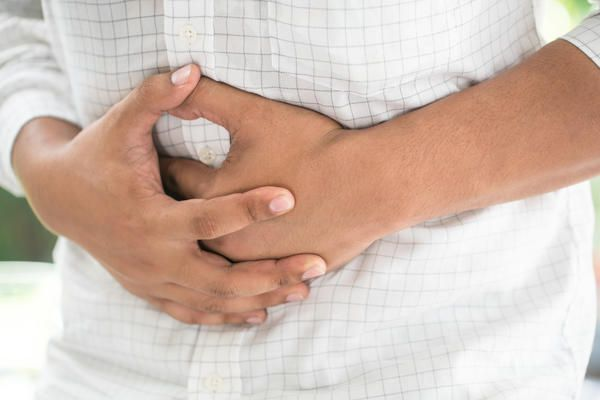 Have a very sore upper abdomen pain by Colon it stabs . Pains bad after eating?