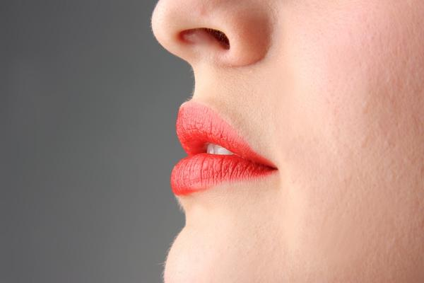 Could a cold sore erupt on the roof of your mouth?