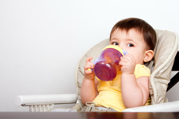 How do you know when a 9 month baby is dehydrated?