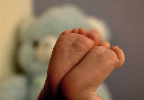 Do babies brains continue to develop after they're born?