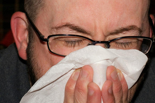 How long does the common cold typically last?