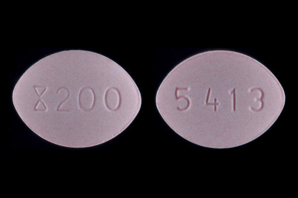 Can you take diflucan (fluconazole) and azithromycn at the same time?
