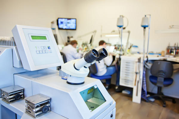 What's the difference between a yag laser & an argon laser?
