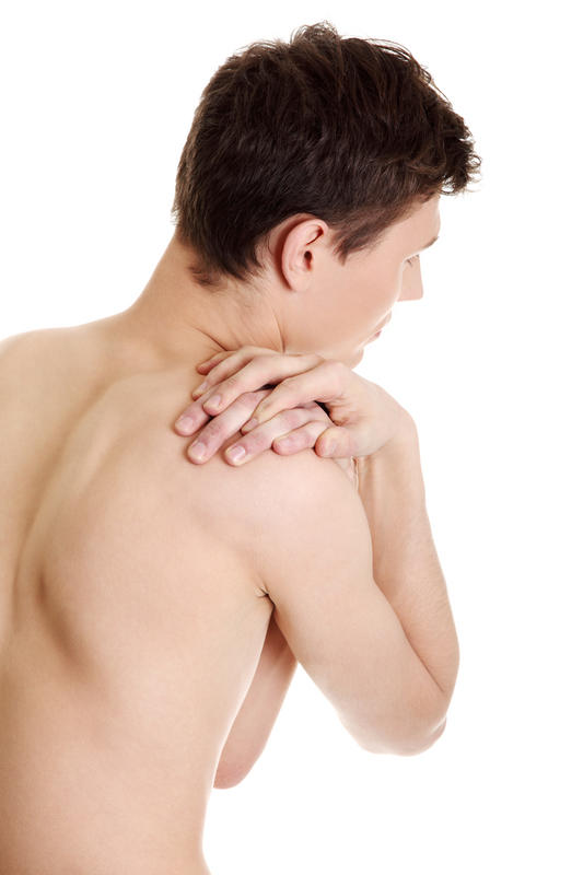 What are the causes of fluid in the shoulder joint and fatty intrusions in the muscles?