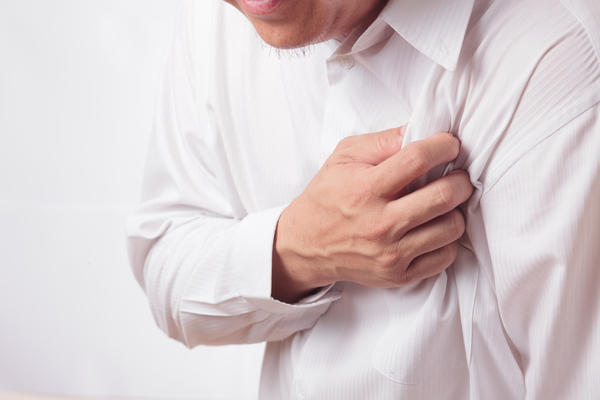 Are the symptoms of heart attack different in men versus women?
