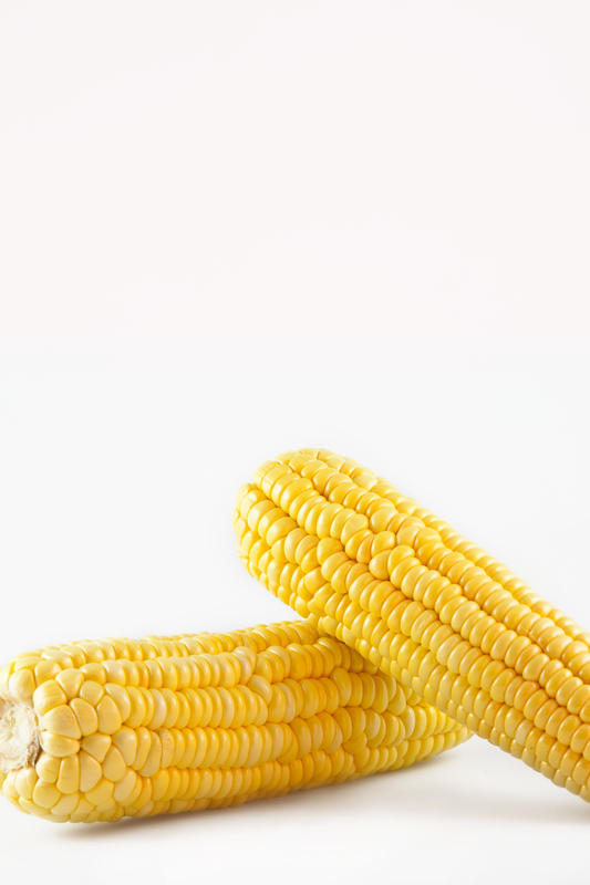 How many calories are in 1/4 cup of corn?