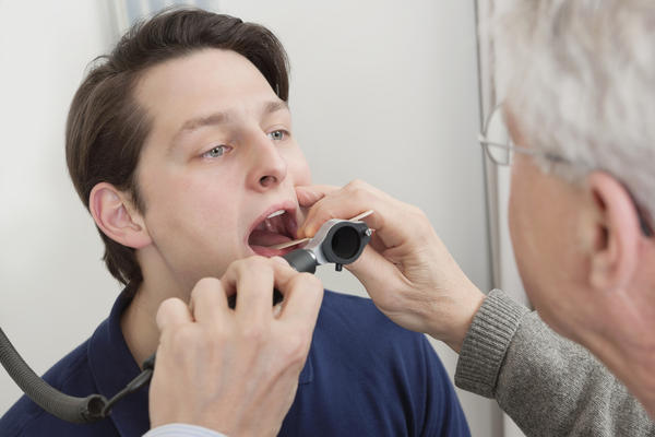 Is it safe to goggle every day to get the tonsil stones out of your mouth?