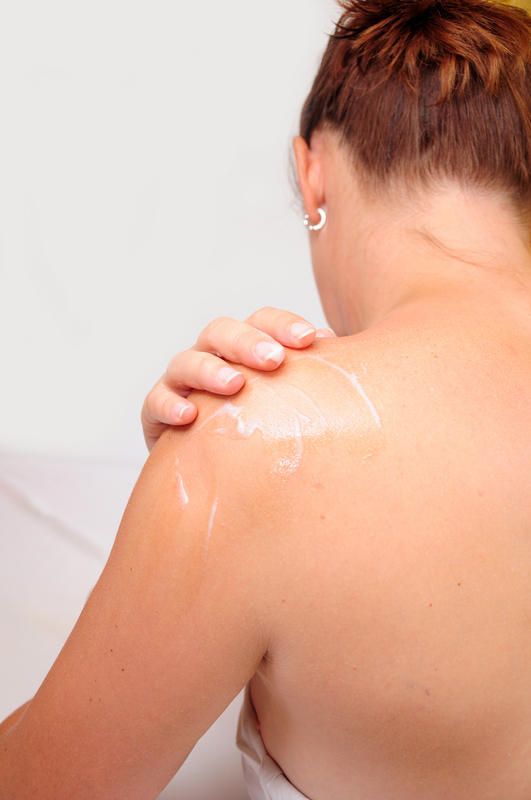 What is the best way to heal shoulder muscle tear besides getting a surgery?