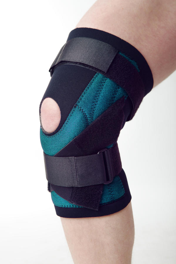 Acl knee brace should I wear one to prevent twisting?