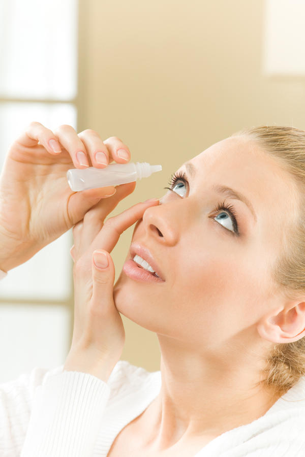 Does percocet use cause dark circles under eyes?