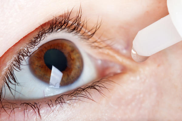 What are possible side effects of accidentally swallowing visine eye drops?