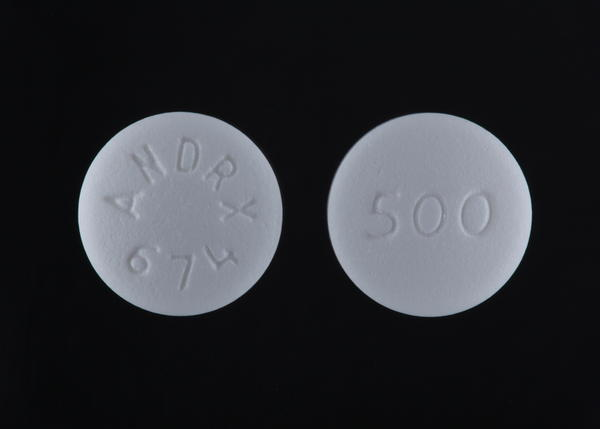 Can i take glucophage (metformin) with hythyroidsm?
