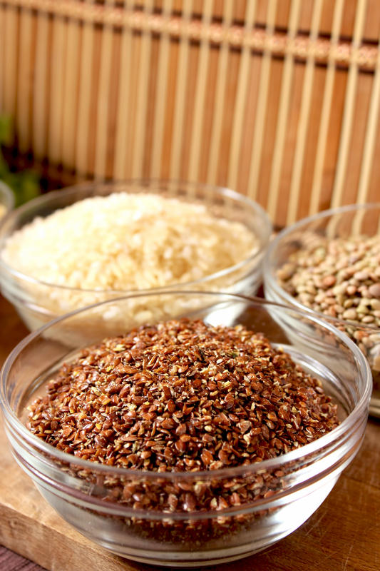 What're the health benefits of flaxseed oil?