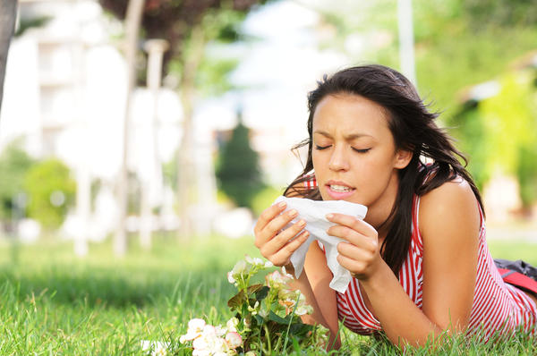 What type of seasonal allergy causes a skin rash?