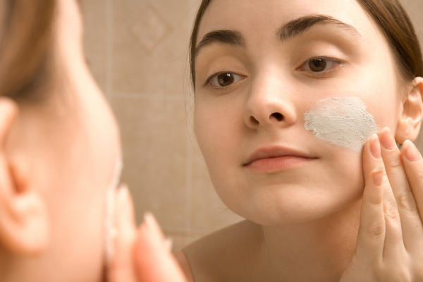 Can glycerin in face/skin/makeup products cause acne. i have acne prone combination skin.