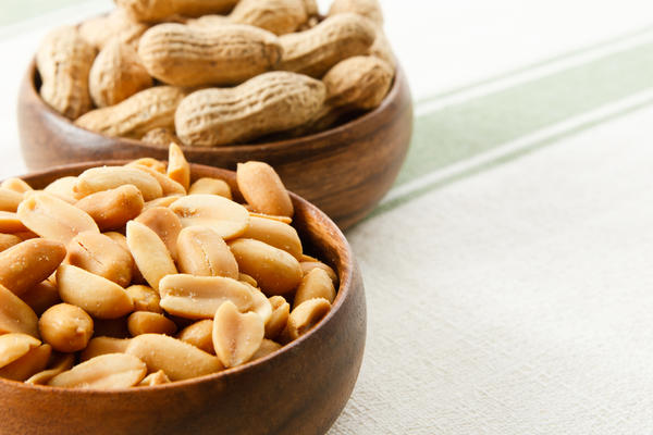 Can you develop a peanut allergy later early in life before you ever eat a peanut?