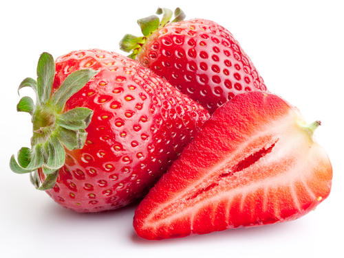 If I don't have an allergic reaction to strawberries in yogurt, can I safely eat fresh or store bought strawberries?