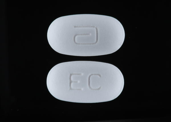What are the side affects of taking erythromycin?