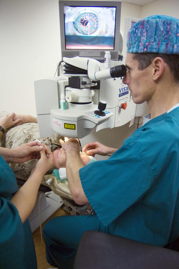 Is it possible for you to see what is going on during a lasik surgery operation?