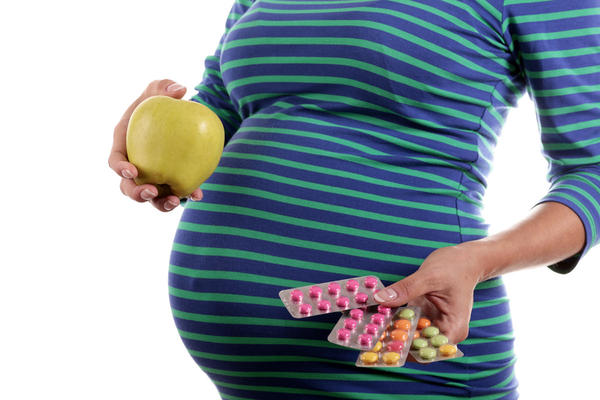 Can you take DHA and prenatal vitamin together?