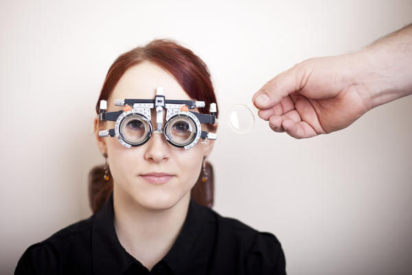 Can a person with thick eyeglasses get thinner lenses ?