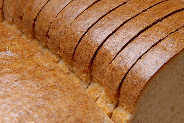 What are the symptoms of gluten intolerance?