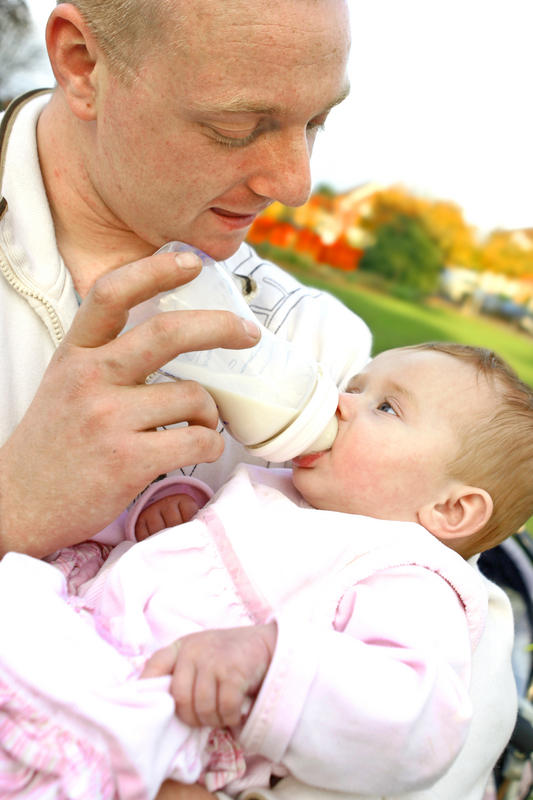Can you tell me how and when to wean a breast feed infant?