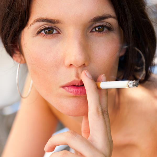 Can smoking cigarettes affect the way you look?