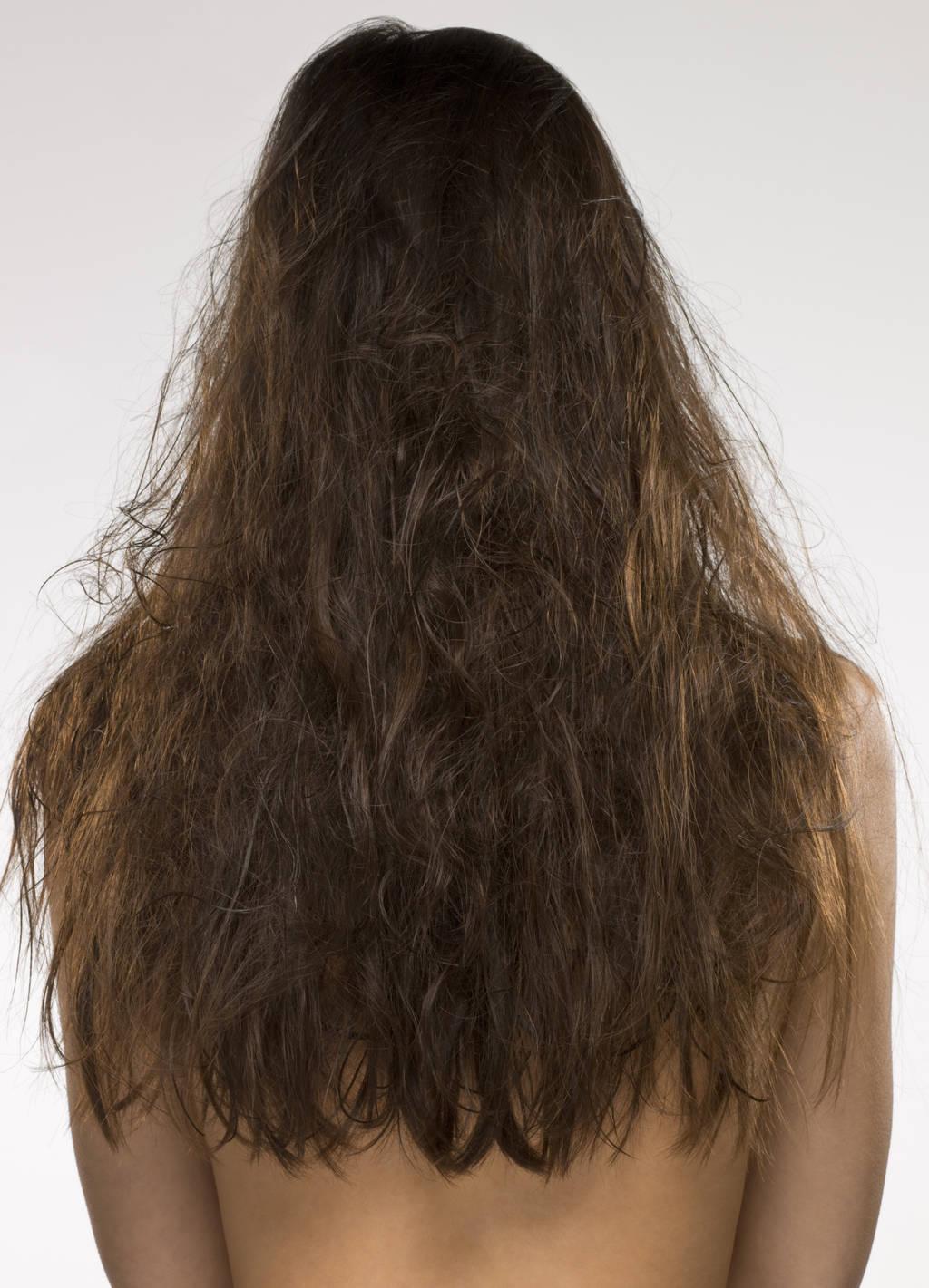 их сухие запутанные волосы увлажнять как